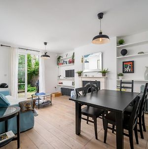 Stylish 2-Bed Flat With Private Garden In Notting Hill, West London photos Exterior