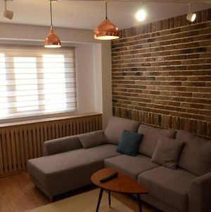 Lovely 2-Bedroom Apartment Close To The Center photos Exterior