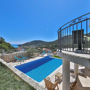 Awesome Home In Vinisce With Outdoor Swimming Pool, Internet And 3 Bedrooms photos Exterior
