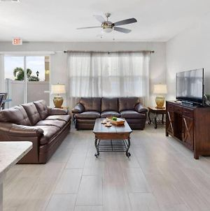 4 Bdrms, Bbq, Pool, Tvs, Wi-Fi, 10 Min To Disney And Outlets photos Exterior
