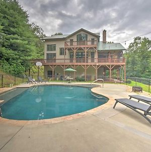 Expansive Home On 16 Acres With Smoky Mtn Views photos Exterior