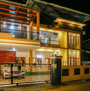 Posh 7 Bhk At Belljem Homes In Housing Colony Close To City photos Exterior