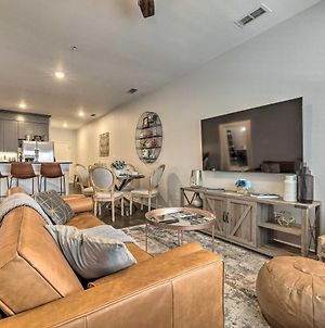 Single-Story Condo Less Than 1 Mile From Downtown! photos Exterior