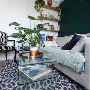 Charming And Bright Apt In The 18Th photos Exterior