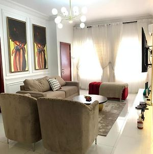 Family Standard 2 Bedroom In A Location With Malls, Schools And Restaurants photos Exterior