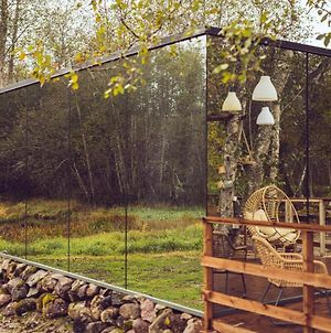 Riverbed Inn Ood Mirror House And Iglucraft Sauna By River photos Exterior