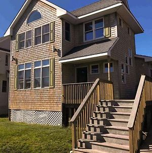 Large Group Friendly Beach House Steps From Village And Ocean photos Exterior