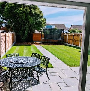Lovely 3-Bed House In Lytham Saint Annes photos Exterior