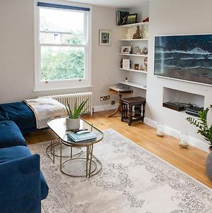 Pass The Keys Immaculate Flat With Roof Terrace In North London photos Exterior