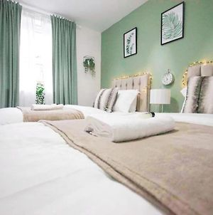 City Centre Stay Sleeps 5 With Gated Parking photos Exterior