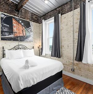 Berry Cute Loft- Downtown, Close To Everything photos Exterior