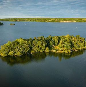 Your Very Own Private Island. 30 Min Fr. Stockholm photos Exterior