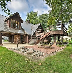 Gorgeous Bremen Home With Lake Access And Yard! photos Exterior