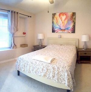 Beautiful Townhouse With Great Vibes, Close To Beach photos Exterior