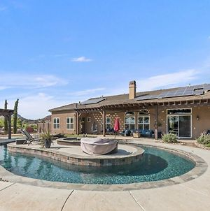 Opulent Retreat With Lazy River - By Wine Trail Villa photos Exterior