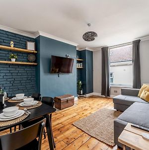 Pass The Keys Quirky Newly Renovated Central Apartment With Parking photos Exterior