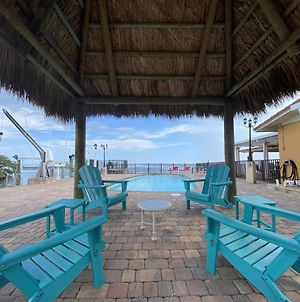 Vista Marquesa Ground Level Home With Pool And 50 Ft Dock photos Exterior