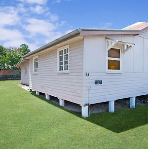 Close To Water, Restaurants And Clubs, Toorbul St, Bongaree photos Exterior
