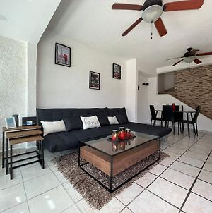 Private Rooftop Pool With Grill Close To Hz And Airport photos Exterior