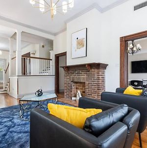 Home With Conference And Movie Rooms In Heart Of Downtown photos Exterior