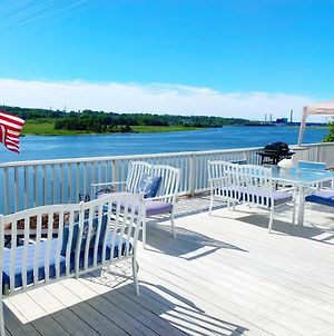 Lovely River View Property photos Exterior