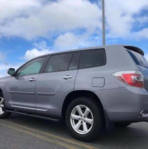 Toyota Suv With Canopy, Camp Gear Or Beach Gear, Free Waikiki Parking Book Your Own Campsite Around Oahu photos Exterior