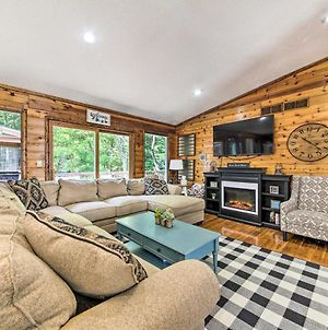 Woodsy Home With View, 1 Mi To Lake Shelbyville photos Exterior