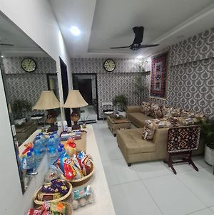 3 Bed Furnished Royal Apartment photos Exterior