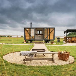 One Of A Kind Shepherds Hut With Incredible Views photos Exterior