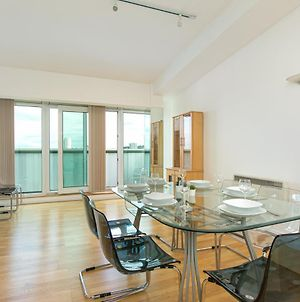 3Bed Penthouse Near London City Airport, O2 Arena, London Excel Centre With Parking photos Exterior