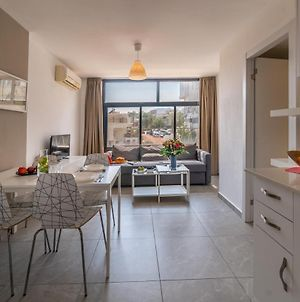 Large One Bedroom Apartment By Stay Eilat - Eilot Street photos Exterior