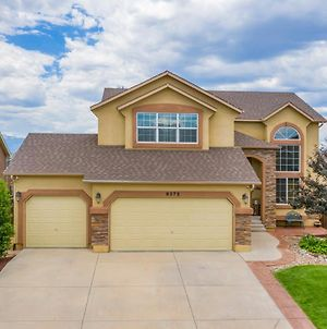 Desirable And Spacious With Mountain Views, Deck, Grill And Yard - Walk To Coffee And Ice Cream! photos Exterior