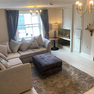 Impeccable 1-Bed Apartment In The Heart Of Hexham photos Exterior