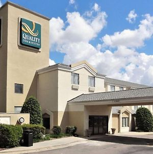 Quality Inn & Suites Raleigh North Raleigh photos Exterior