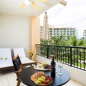 Perfect Getaway For Two! Wonderful & Bright Loft, Spacious Balcony Overlooking The Pool Beachfront Resort photos Exterior