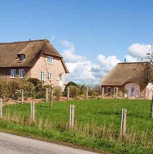 Charming Thatched Roof House In A Quiet Location In North Fiesland photos Exterior