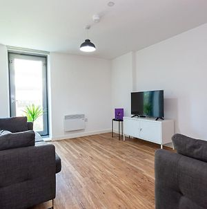 A Stylish, 3 Bedroom Apartment In Media City With Access To Cinema Room & Gym photos Exterior