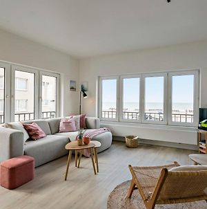Stylishly Refurbished Family Apartment With Stunning Sea View photos Exterior