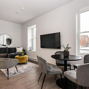 Stylish & Fun 1 Bedroom Apartment In Le Plateau By Den Stays photos Exterior