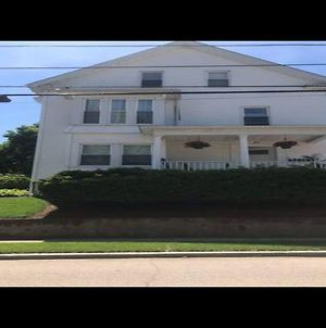 Charming 2 Bedroom In Providence photos Exterior
