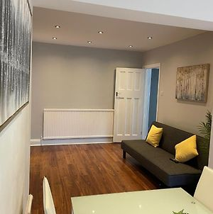 One Bed Apartment In Watford photos Exterior