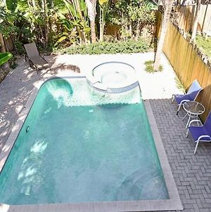 House With Pool Close To Shopping And Beach photos Exterior
