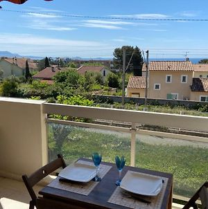 Ideally Located In Bandol ! Studio 4 Pax - Small Seaview & Private Parking photos Exterior