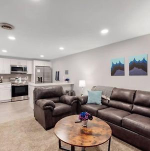 Comfortable Lower Unit In Denver With Cozy Beds photos Exterior