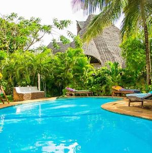 Immaculate Stunning 3-Bed Cottage In Diani Beach photos Exterior