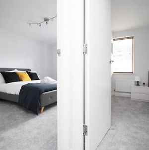 Fabulous 2 Bedroom Bedminster Apartment By Jtb Stays Short Lets & Serviced Accommodation, Self Check-In And Wifi photos Exterior
