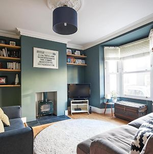 Tranquil 2 Bedroom Home In Totterdown photos Exterior