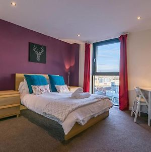 Modern 2 Bed Apartment, Next To Hydro And Secc! photos Exterior