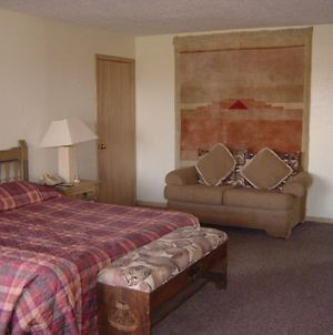 Historic Pow Wow Inn photos Room