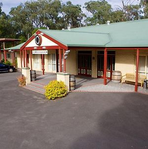 Sanctuary House Resort Motel photos Exterior
